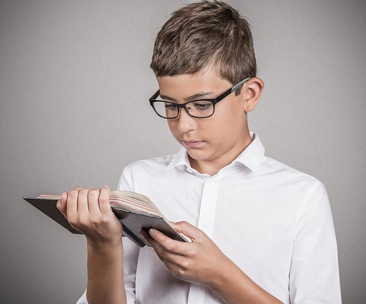 niño lectura