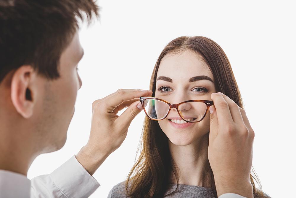 78c757a300 Beneficios de usar gafas y lentes progresivas | Tu Optometrista